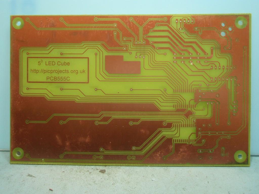 Led Cube Matrix Driver Figure 1 Pic18f452 Blinking Circuit Fig1